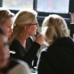 women inc aan tafel